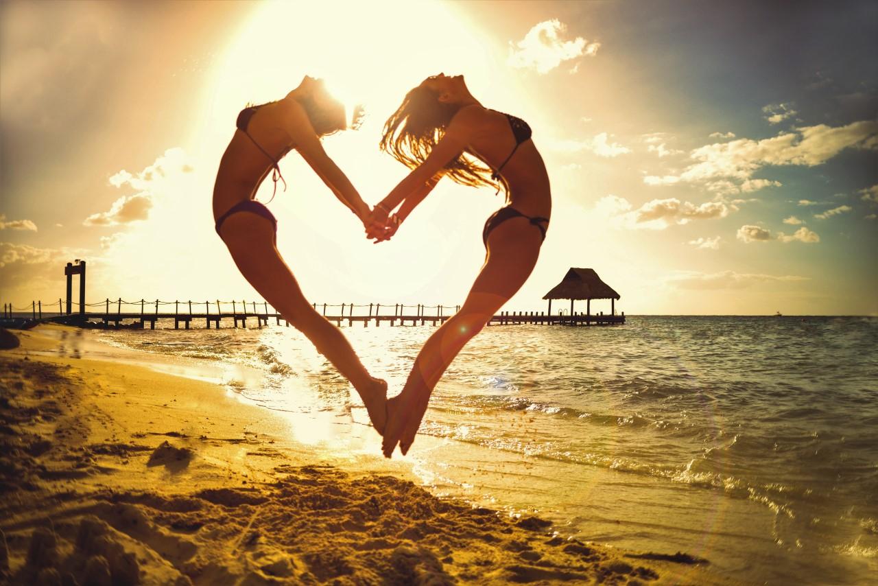 Disfruta con tu pareja de una Luna de Miel inolvidable en Maldivas.