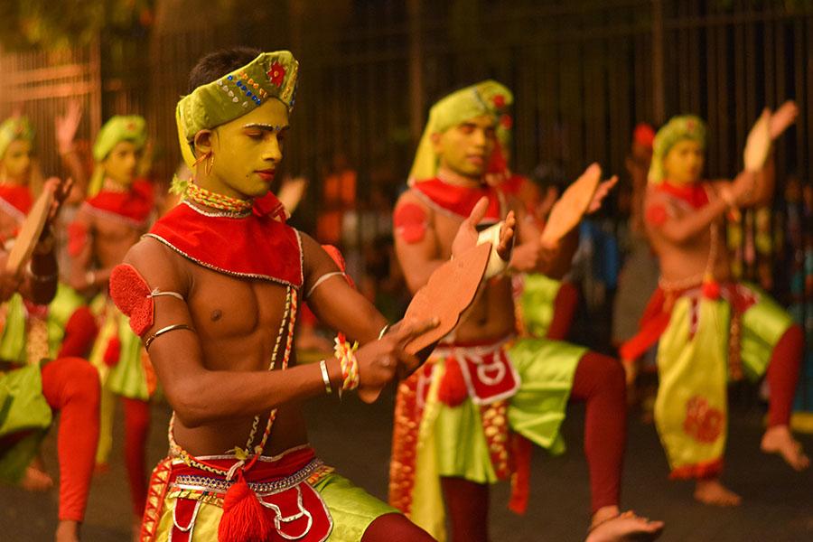 Contáctanos para viajar a Sri Lanka