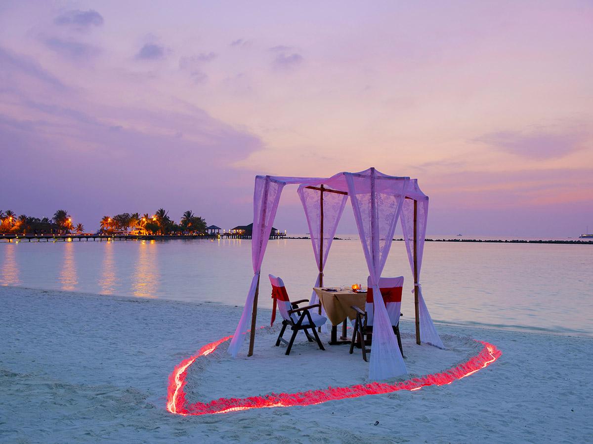 Cenas románticas en entornos incomparables