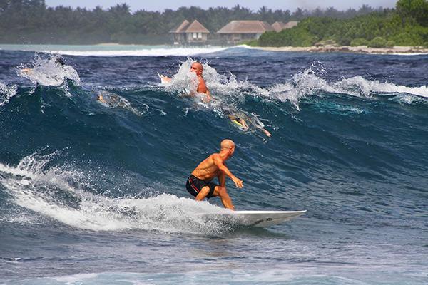 Surf en Himmafushi