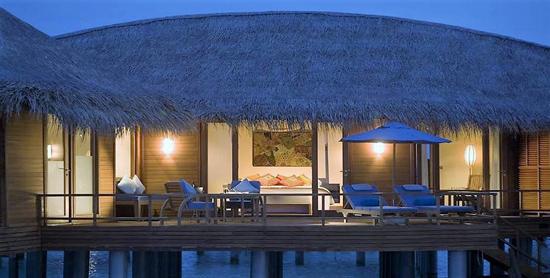 Terraza privada de la Sunrise Sunset Over Water Suite