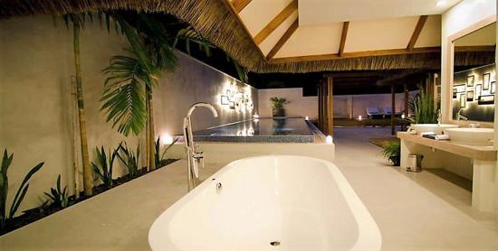 Baño de la Honeymoon Pool Villa