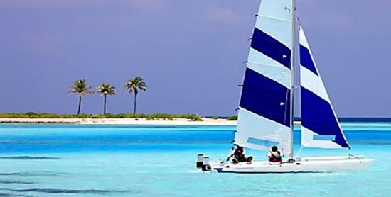 Catamarán a vela en el Paradise Island Resort & Spa