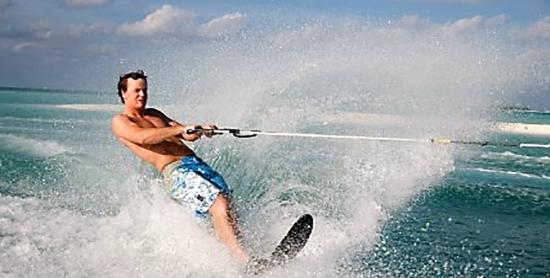 Esquí acuático en el Paradise Island Resort & Spa