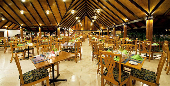 Restaurante Main Dinning en Paradise Island Resort & Spa