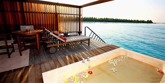 Terraza de la Water Villa del Paradise Island Resort & Spa