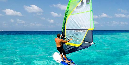Deportes acuáticos en Velassaru Maldives