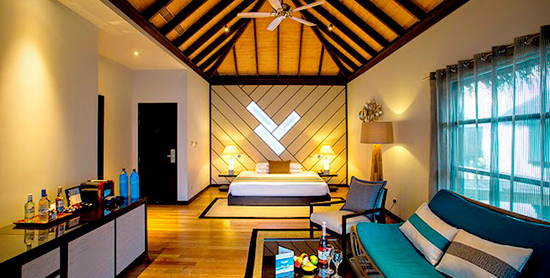 Interior del Water Bungalow with Pool del Velassaru Maldives