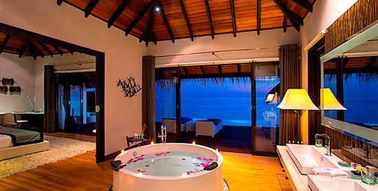 Interior de la Water Suite del Velassaru Maldives