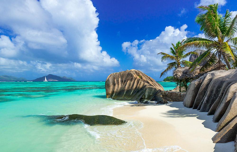 Seychelles, arena y rocas